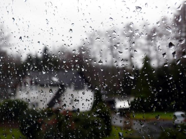 Regen am Fenster_klein