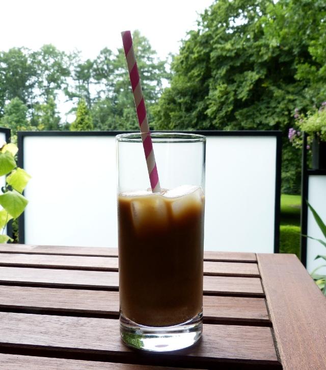 Kaffee auf dem Balkon_klein